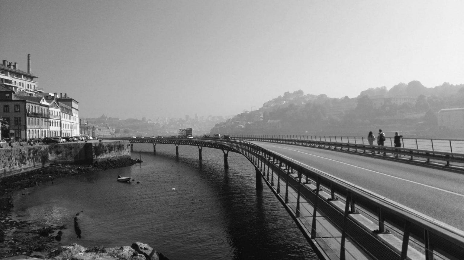 Porto b/w