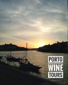 zonsondergang Porto met logo